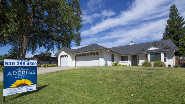 We sold this beautiful southwest Redding home in 2015. See video testimonial from our seller, Jerry. Thanks Jerry!